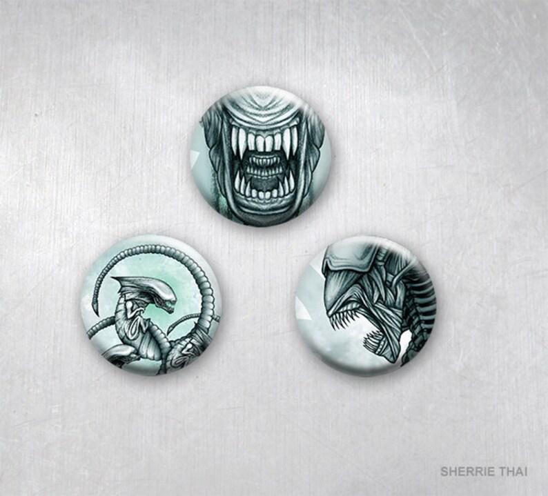 Aliens Xenomorph Evolution Movie Tribute Art, Sci Fi Horror, Pinback  Buttons, Original Art Design, 1 25 inch, Set of 3
