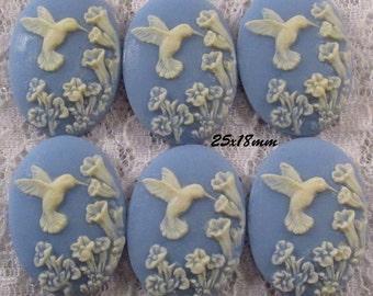 25x18mm Cameo - Ivory/Blue - Hummingbird - 6 pcs : sku 05.04.13.2 - F41