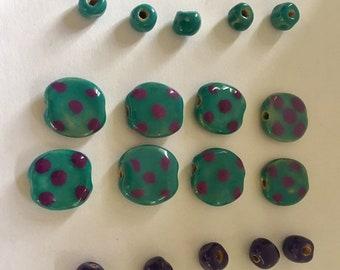 "Kazuri ""Pita-Pat"" Beads Pebbles Pattern- green and plum - spacer beads - handmade-fair trade"