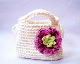 Little Girl's First Purse -  Crochet bag pattern / PDF