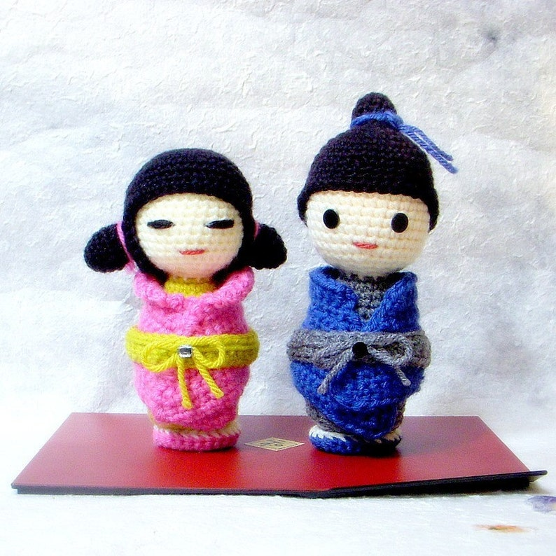 Kokeshi Kokeshi and More Kokeshi | Crochet dolls, Kawaii crochet ... | 794x794