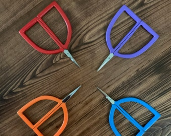 Pudgie Scissors by Kelmscott Designs great for embroidery, cross stitch, quilting