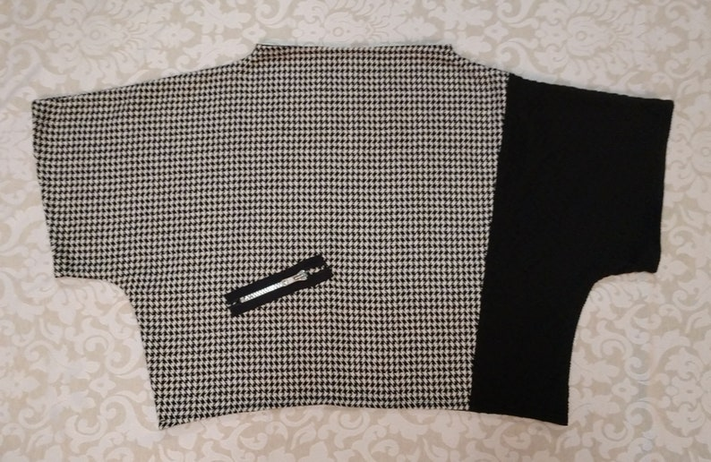 Black White Houndstooth Top Overpiece Wool Blend Funky Zipper Shrug