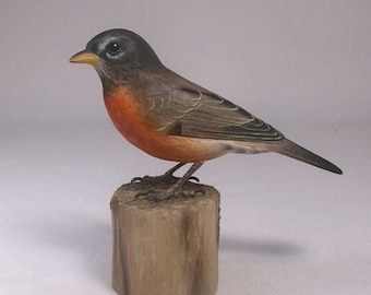 5-5/8 inch American Robin Hand Carved and Hand Painted Wooden Bird
