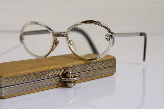 46d4aa1eddd Amor Metal Glasses and Case