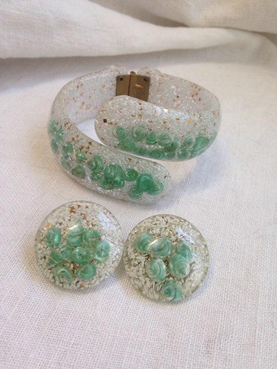 Confetti Mint Green Seashell Lucite Clamper Bracel