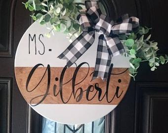 Personalized Teacher Custom Farmhouse classroom sign. Custom teacher round wooden door hanger, Classroom decor sign for teacher