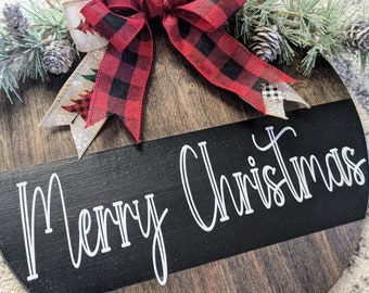 Merry Christmas Round Wooden Farmhouse Inspired Sign.  Farmhouse Front Door Hanger.