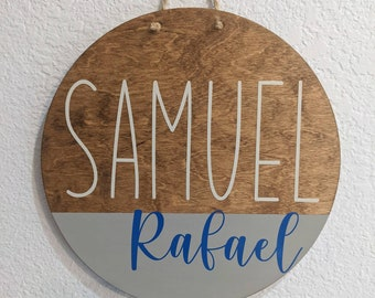 Personalized Child Round Wood Name Sign. Custom name sign. Round wood sign. Farmhouse style door hanger. Baby girl or Baby boy sign for room