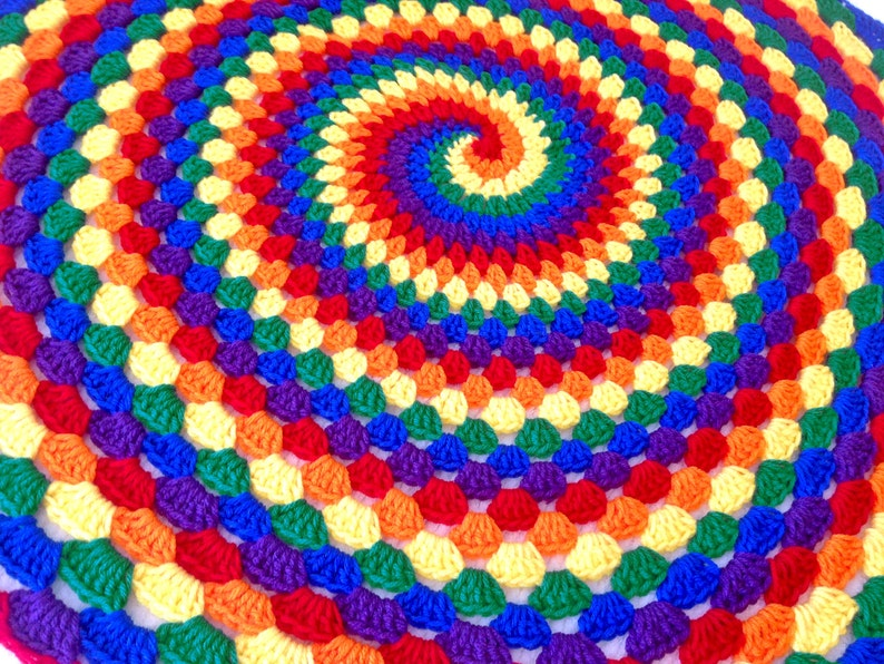 PDF Pattern for Rainbow Spiral Granny Blanket image 1