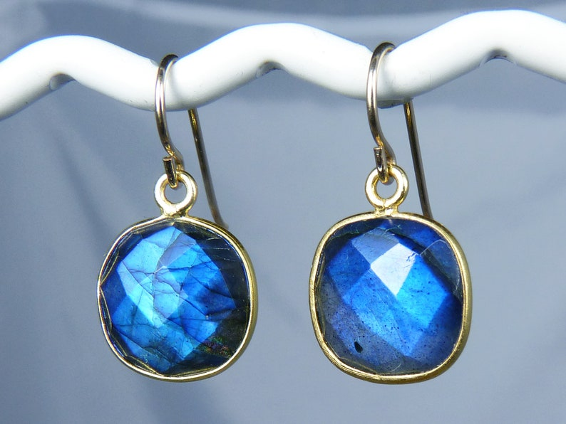 Faceted Flashy AAA Bezel-Set Blue Labradorite and Gold image 0