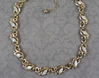 Vintage Trifari Patent Pending Golden Rhinestone Linked 1940s Necklace