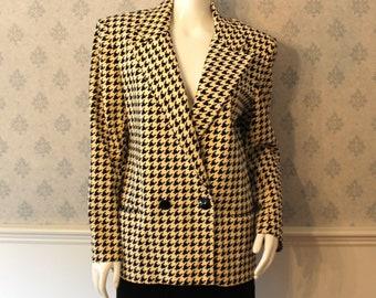 Vintage Women's Amherst Sport Silk and Cotton Blend Spring or Summer Checkered Beige Blazer or Jacket