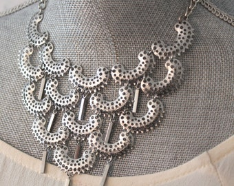 Vintage Mid 1970s Sarah Coventry Charisma Silver Tone Metal Filigree Bib or Statement Necklace