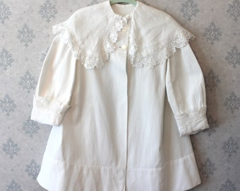 Antique Late 1910s to Early 1920s Child's White Irish Lace Trimmed Summer Coat