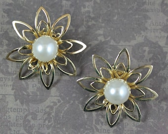 Vintage Yellow Gold Tone Open Filigree Faux Pearl Centered Flower Clip On Earrings
