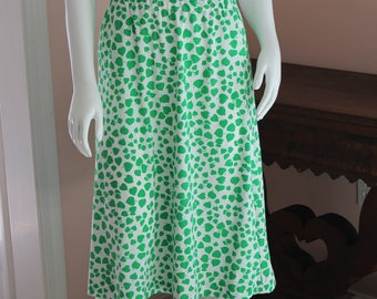 Vintage 1970s Polyester Green and White Leaf Pattern A line Elastic Skirt