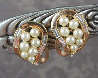 Vintage 1940s to 1950s Trifari Pat Pending Rhinestone and Pearl Golden Clip On Earrings