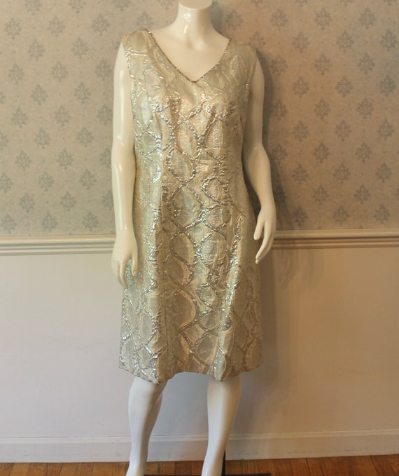 Vintage 1960s White and Silver Metallic Brocade Rhinestone Trimmed Sleeveless Shift Dress