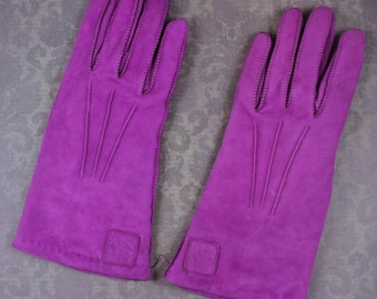 Vintage Fuchsia DKNY Suede Lambswool Lined Women's Winter Gloves Size 6 1/2