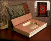 Hollow Book Safe & Flask - Hannibal (Magnetic Closure)