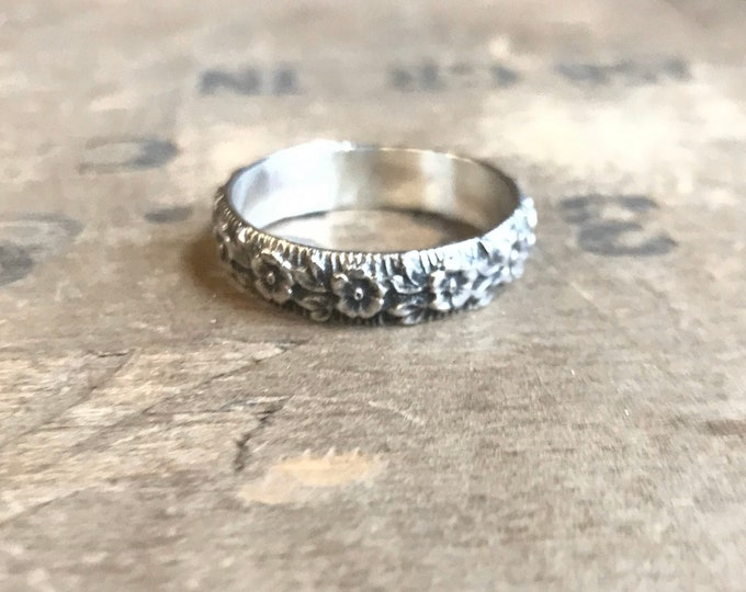 Floral Band Sterling silver flower ring band || Rustic Sterling Silver Ring