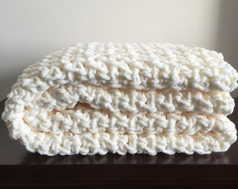 Chunky Crochet Blanket in Fisherman Cream Chenille