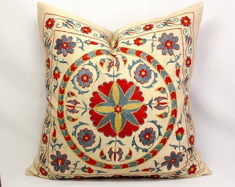 Medallion Suzani silk pillow, Suzani Embroidery pillow suzani Pillow, Uzbek suzani Silk Embroidery suzani, Suzani cushion, Decorative Pillow
