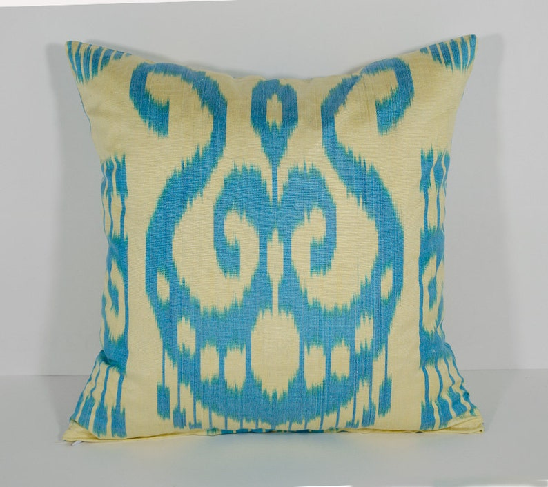 Cuscini Ikat.15x15 Ikat Pillow Cover Cushion Case Blue Cream Pillow Etsy