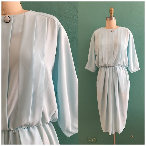 vintage 80's baby blue dress with pockets // blue