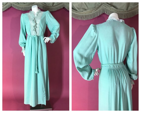1940s robe vintage 40s Mint Green Tambour Lace net