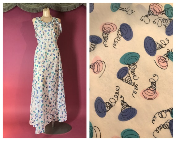 1950s nightgown vintage 50s NOVELTY PRINT SPRINGS
