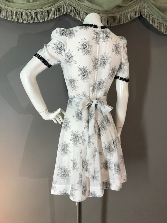 1960s dress 60s vintage WHITE BLACK TOILE puff sl… - image 9