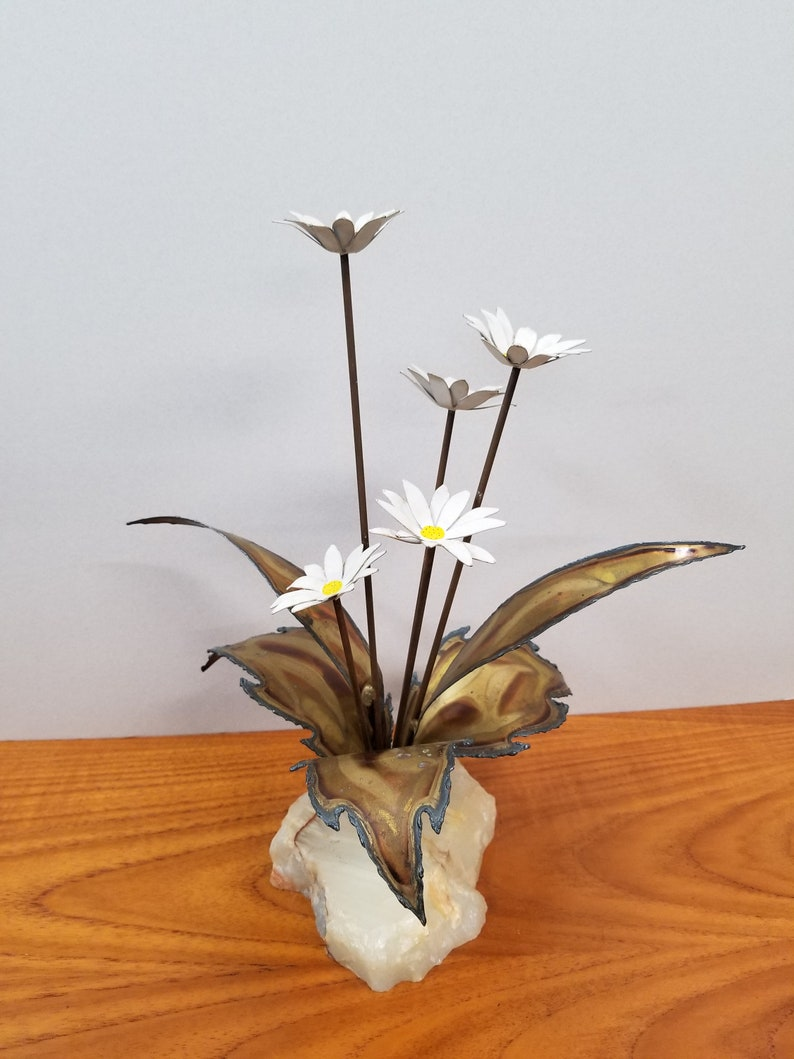White Metal Daisy Sculpture with 5 Daisies Set in Quartz or Agate Base