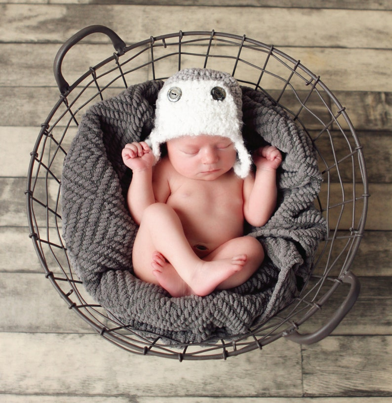 Baby  Child Hat CROCHET PATTERN in 5 sizes 0-10 plus years image 0