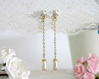 Pearl bridesmaid jewelry, Pearl bridesmaids earrings, Tear drop pearl earrings, Bridesmaid gift, Will you be my bridesmaid gift