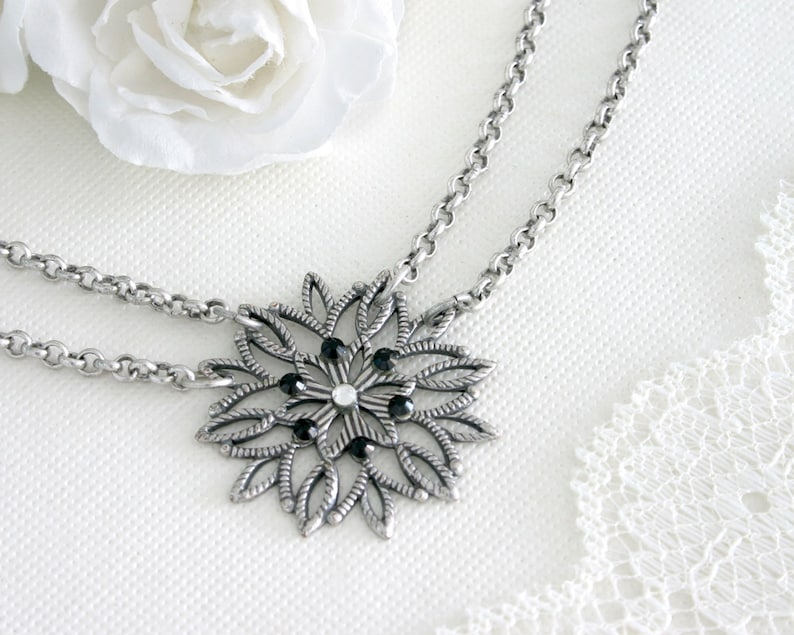 Silver christmas necklace Silver snowflake jewelry Christmas necklace Silver snowflake necklace Snowflake necklace Silver snowflake