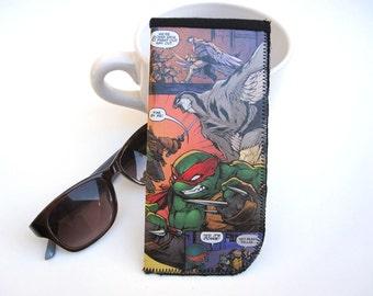 Eyeglass Case / Sunglass Case / Recycled Comic Eyeglass Holder