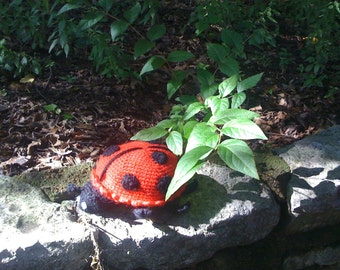 June the Lady Bug - Crochet Pattern Instructions