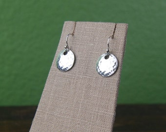 Hammered disc earrings in sterling silver, hammered earrings, textured, round silver drops, everyday casual