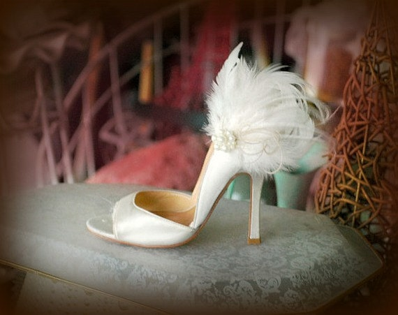 Couture Statement Bridal Bride Bridesmaid Winter Shabby Chic Gift Boudoir Burlesque Shoe Clips Grey /& Black Feathers Lace White Pearls