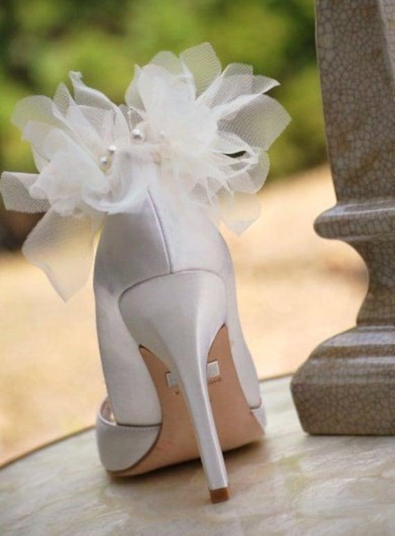 Clips pour chaussures ivoire de pétales ivoire chaussures / blanc. Mode de mariée demoiselle d'honneur parti, énervé Sexy élégant mariage. Superbe cadeau de Fashionista. Mousseline de soie perles 43af95