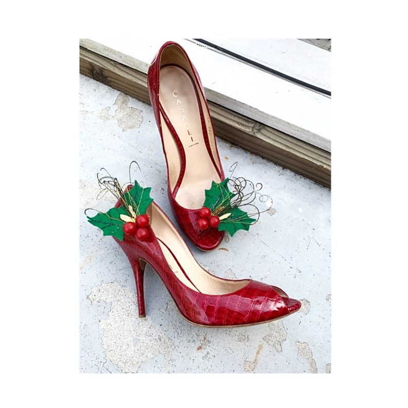 4975129cef18 Red   Kelly Green Shoe Clips   Hair Pins. Winter Christmas