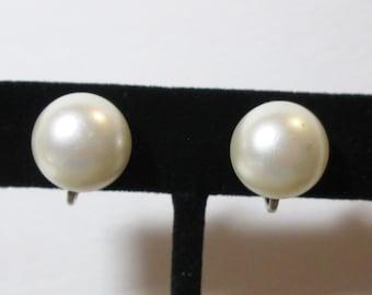 Vintage Sarah Cov Faux Pearl Clip on Earrings