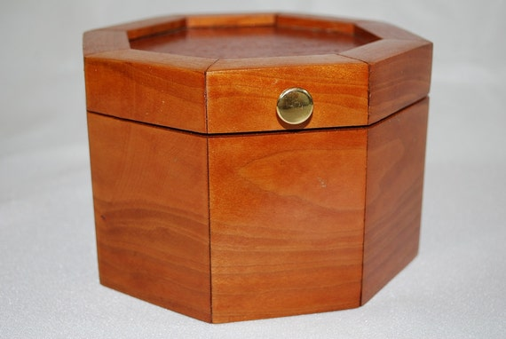 Trinket Box Jewelry Box, Handmade Wood, Cherry Lace-wood, Octagon Mom Dad or Grad Gift