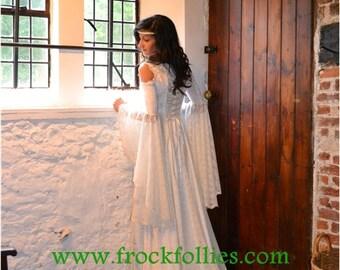 1881671b45b4 Medieval Wedding Dress, Renaissance Gown, Elvish Wedding Dress, Robe  Medievale, Pre-Raphaelite Dress, Hand Fasting Gown, Medieval Gown, Ella