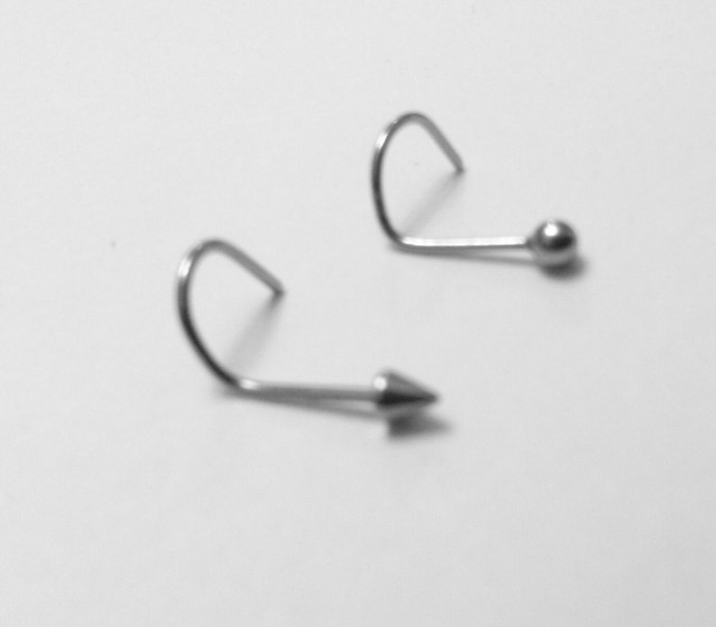1 Ball or Arrow Tip Silver Tone Surgical Grade Stainless Steel Nose Screw