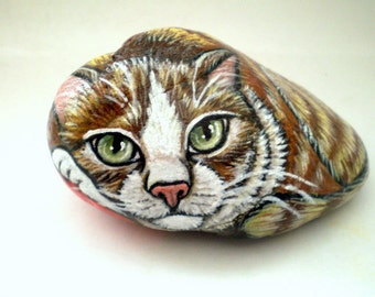 Painted  Yellow Cat  Rock  Art   Decor, paper weight -  Yellow Stripe Tabby Cat, Gift for Pet lovers catlovers, gift  Under 50