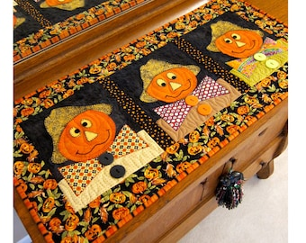 Three Scarecrows Table runner Patern