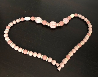 Vintage Unsigned Large Pink Marble Swirled Beads Creamy Blush Rose and Taupe Beaded Necklace Barrel Clasp 1960s Valentines Day Gift Idea